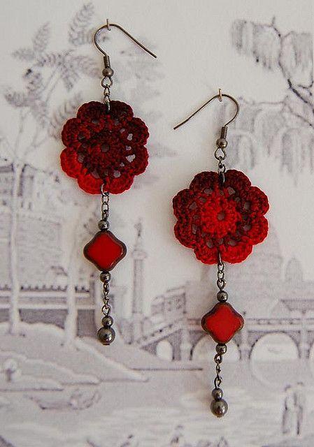 83. Flores Rojos by Un Jardín De Hilo, via Flickr