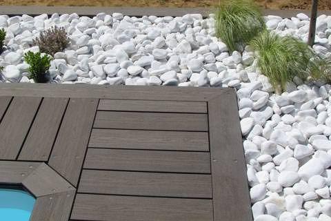 Plage de piscine et galets, France | Home&Garden | Outdoor decor ...