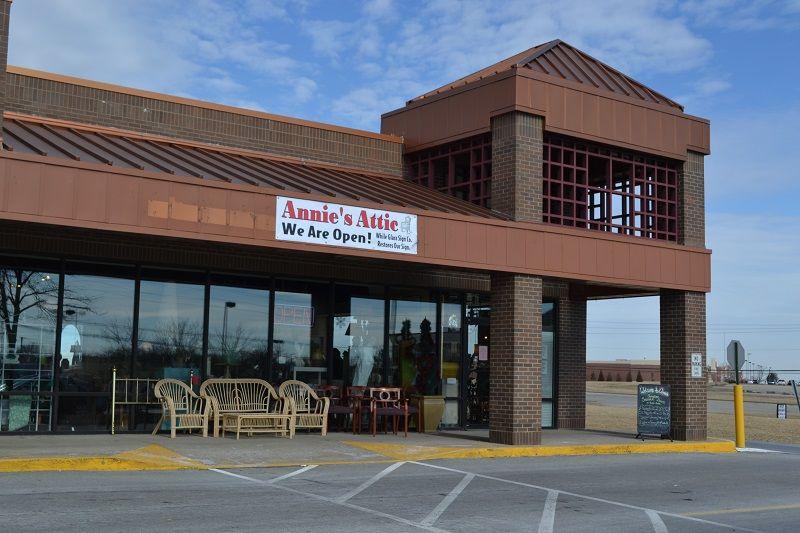 Cheap Thrills Louisville S Great Home Consignment Stores Louisville Consignment Furniture Home