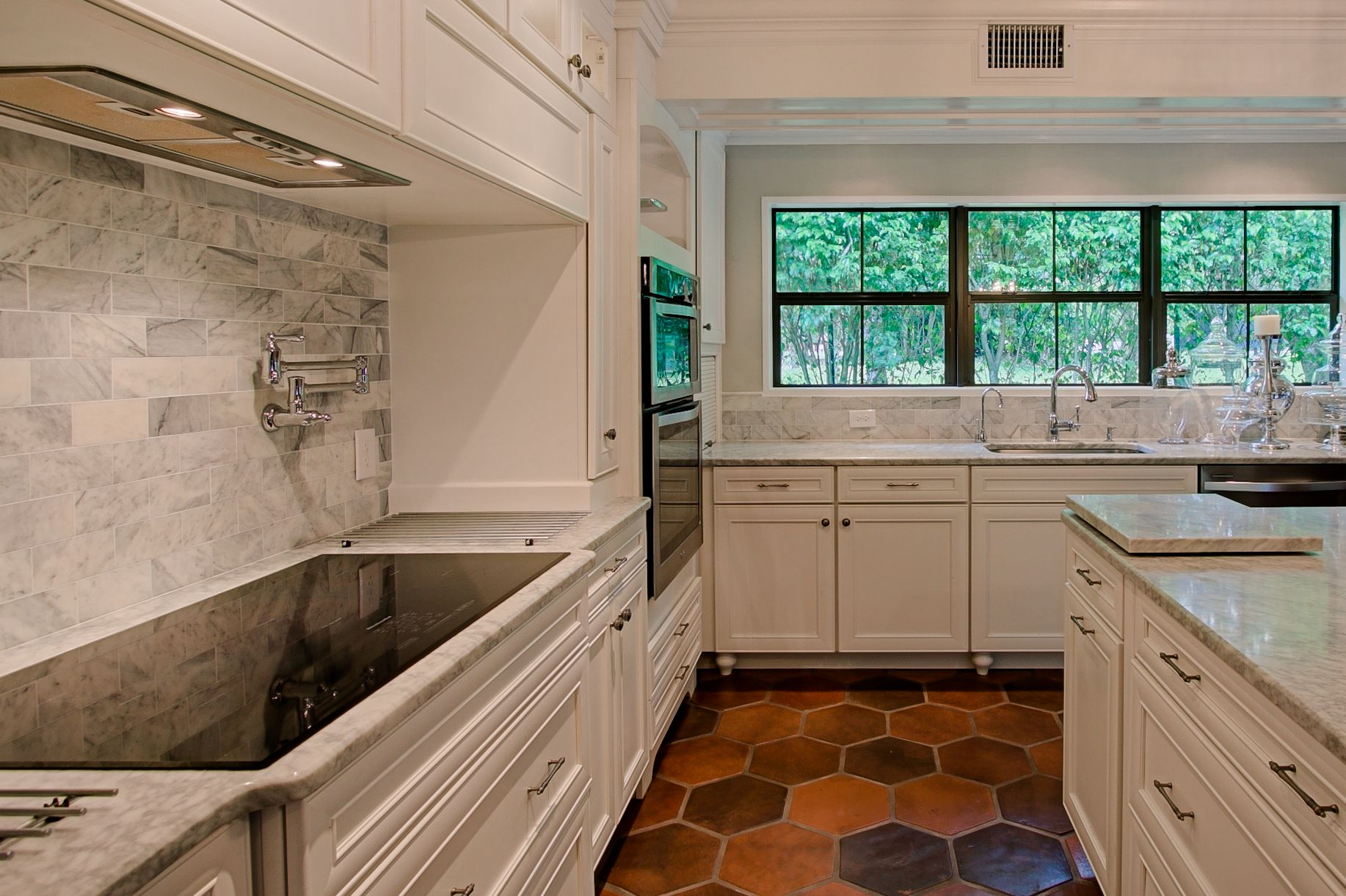 Terracotta Floor Tiles Kitchen Manganese Saltillo Tile Shown In 12x12 Hexagon Terra Cotta Floor