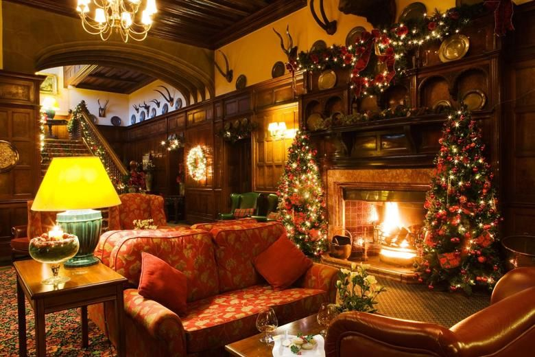 The Most Luxurious Uk Christmas Stays Christmas In England Christmas Breaks Christmas Home