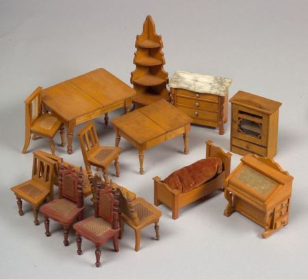 Sixteen Pieces Of Schneegas Doll House Furniture Sale Number 2345
