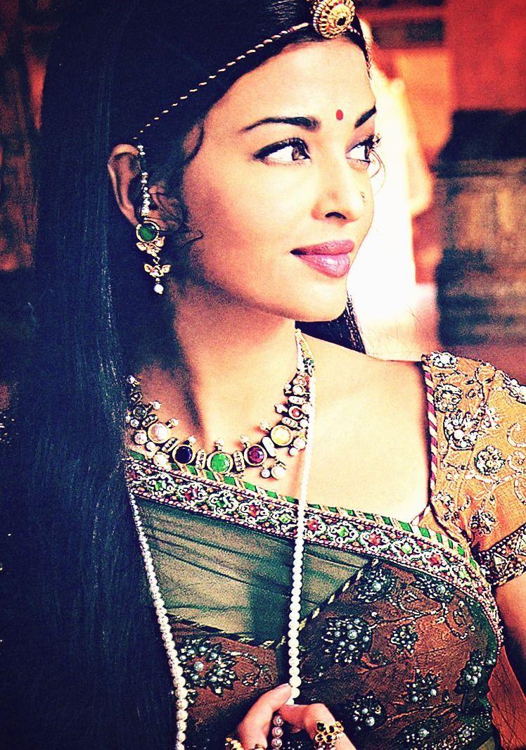 Pin By Uma On Amazing Turbans Head Pieces Beautiful Indian Actress Aishwarya Rai Bollywood