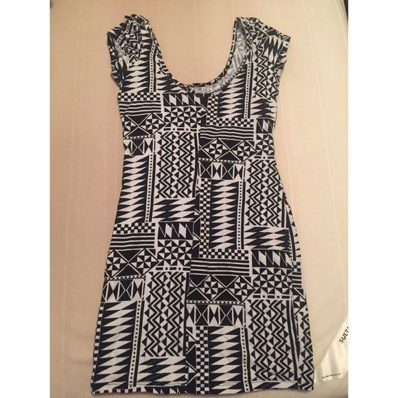 Printed Dress Loved this dress. Just doesn't fit anymore! Great condition Charlotte Russe Dresses Mini
