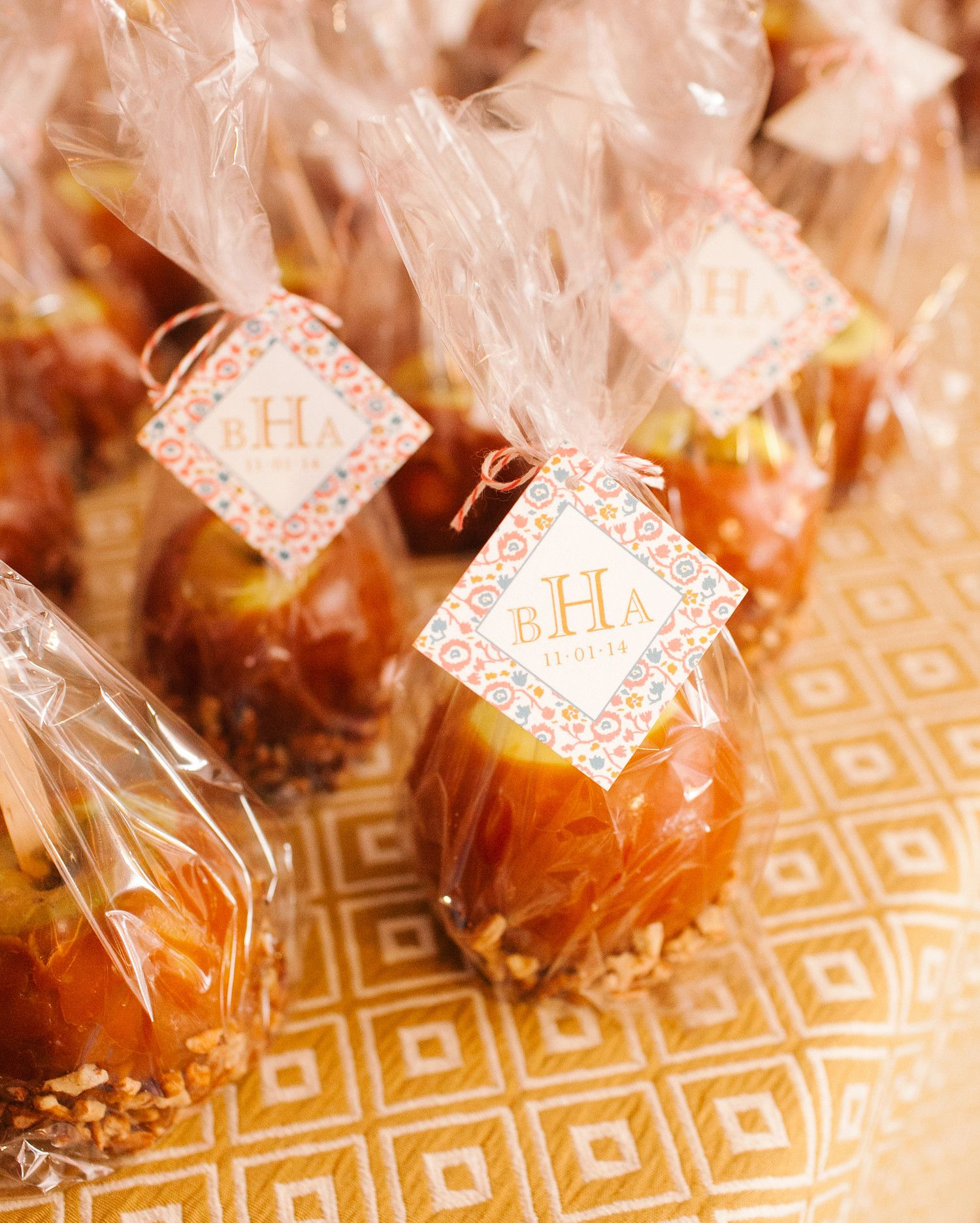 Guests At This Fall Wedding Went Home With Delicious Caramel Apples