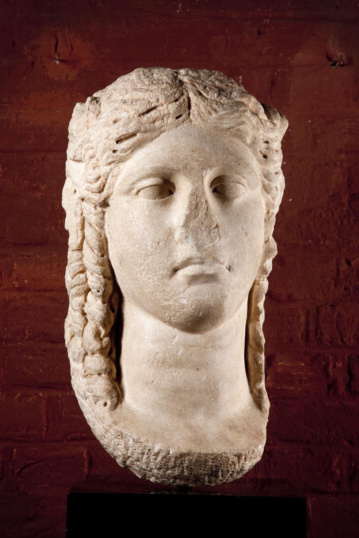Monumental head of Isis  White marble Alexandria, Late Roman Republic, late Hellenistic, ca. 1st century B.C.
