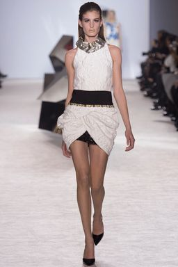 Giambattista Valli Spring 2015 Couture Fashion Show: Runway Review - Style.com