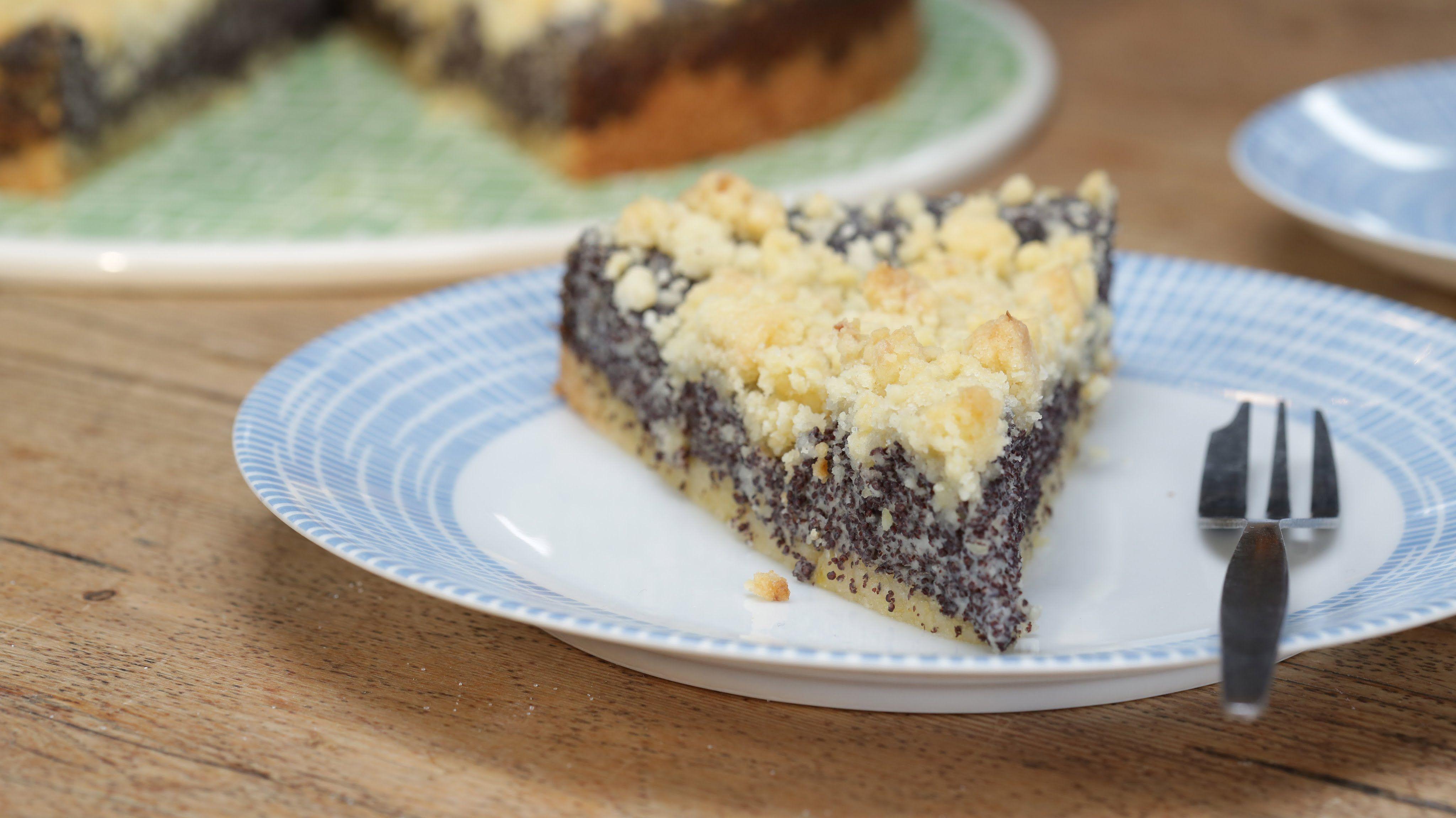 Schneller Mohnkuchen Mit Streuseln Und Leckerer Pudding Fullung