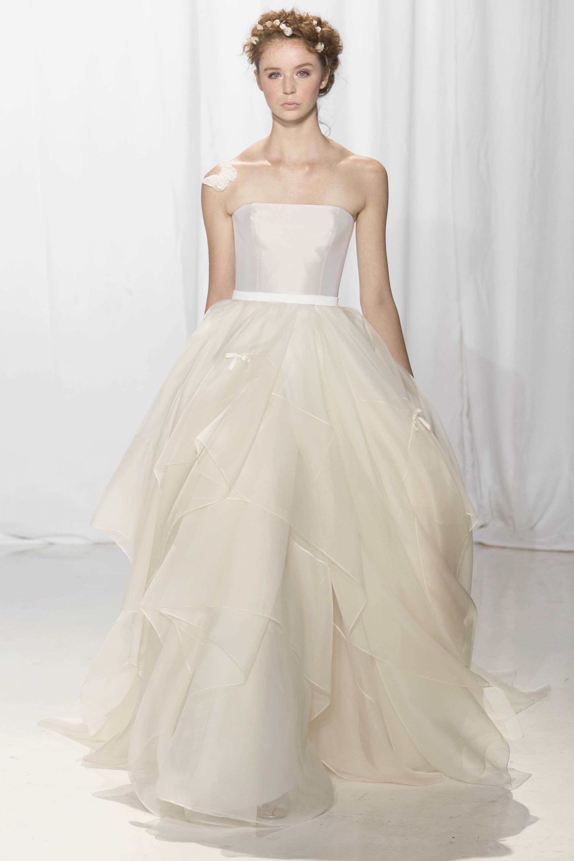 Reem Acra Bridal Fall 2017 Fashion Show | Reem acra bridal, Wedding ...