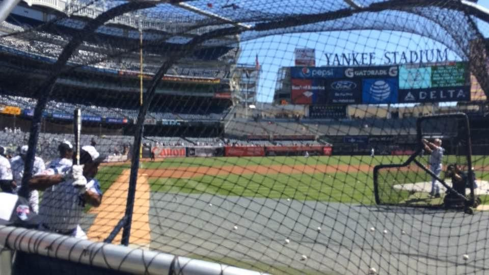 WATCH Willie Randolph, Rickey Henderson hit at Yankees