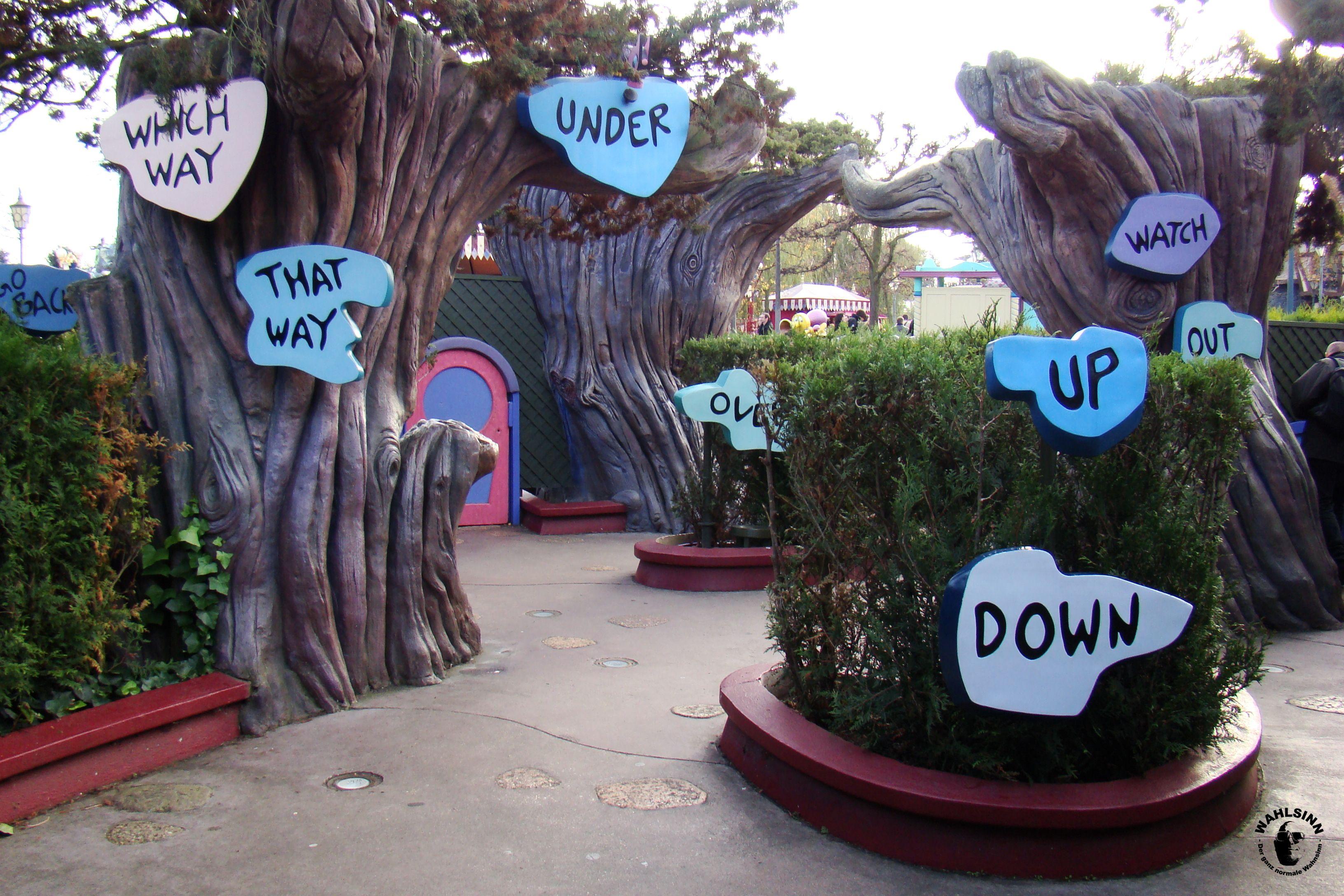 Disneyland Paris - Der Irrgarten von Alice im Wunderland
