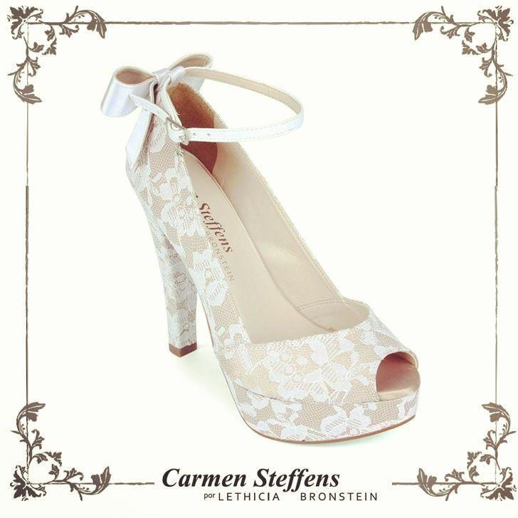 Carmen Steffans por Lethicia Bronstein