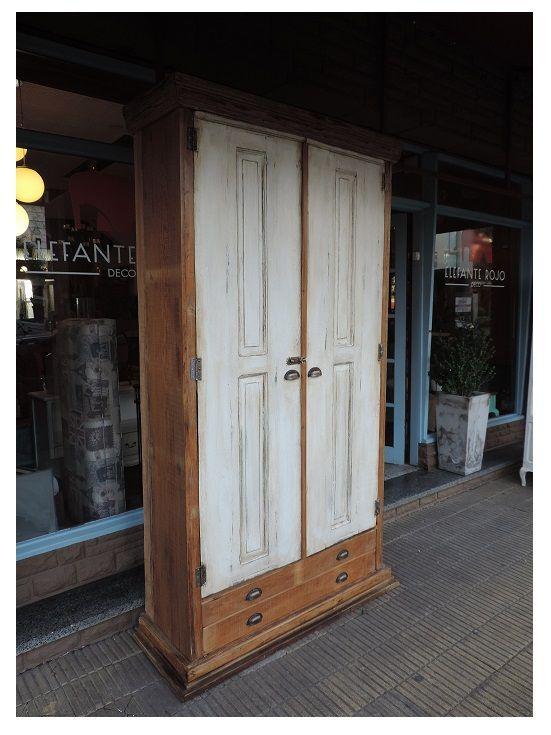 Mueble tipo biblioteca con puertas antiguas hecho en maderas de demolici n molduras en la base - Herrajes muebles antiguos ...