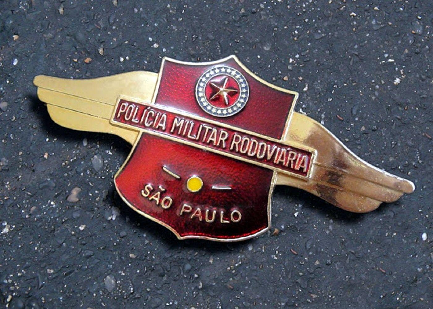 Polícia Militar Rodoviária de São Paulo. A partir de 1988 tivemos a mudança de uniformes e várias alterações nos distintivos da PMESP. http://medalhisticamilitarpaulista.blogspot.com.br/2013_07_01_archive.html