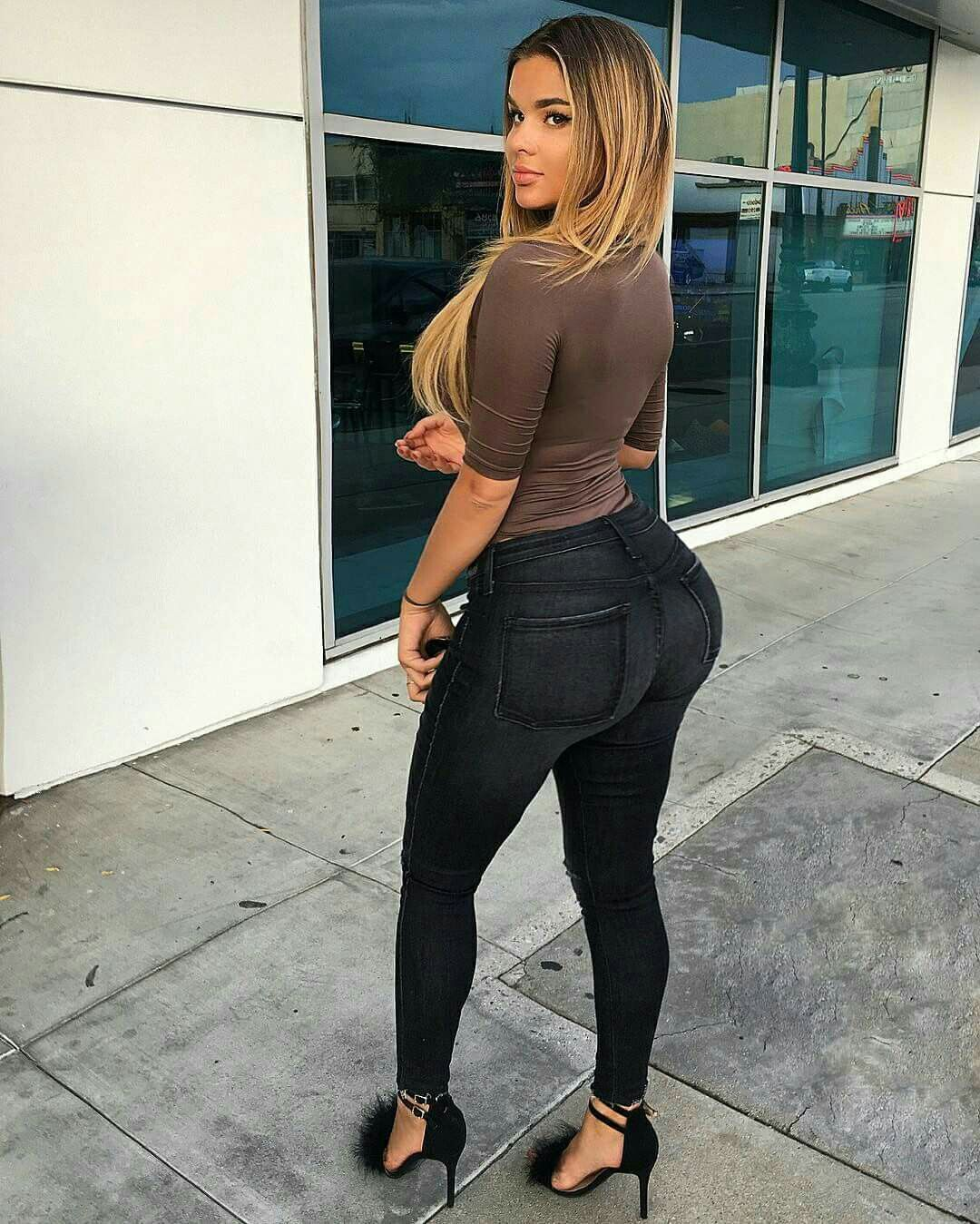 Big ass whole