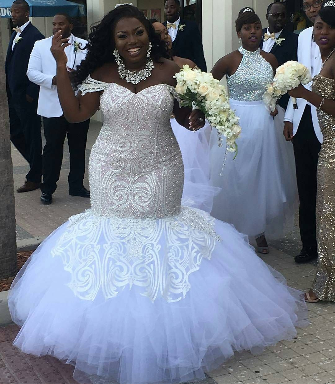 Wedding Gowns: Custom Plus Size Wedding Dresses