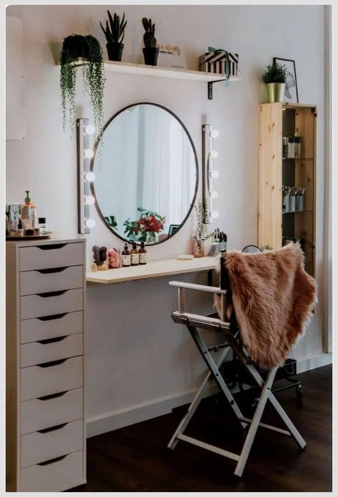 40 Ways Make Comfy Your Home With Round Mirrors Ideas Homedecor Furniture Mirror Homefurniture Small Room Design Makeup Room Diy Built In Dressing Table