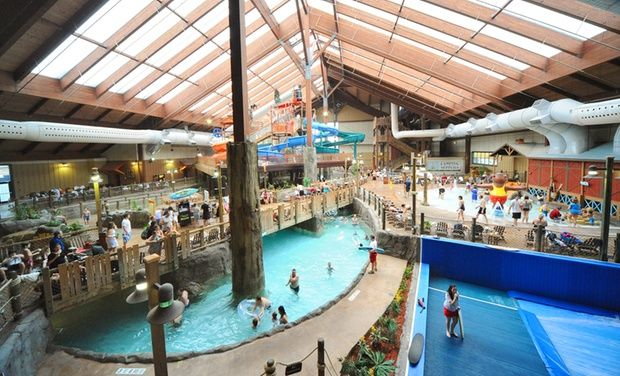 Stay At Six Flags Great Escape Lodge Indoor Waterpark In Queensbury Ny Dates Into December Indoor Waterpark Water Park Ny Attractions