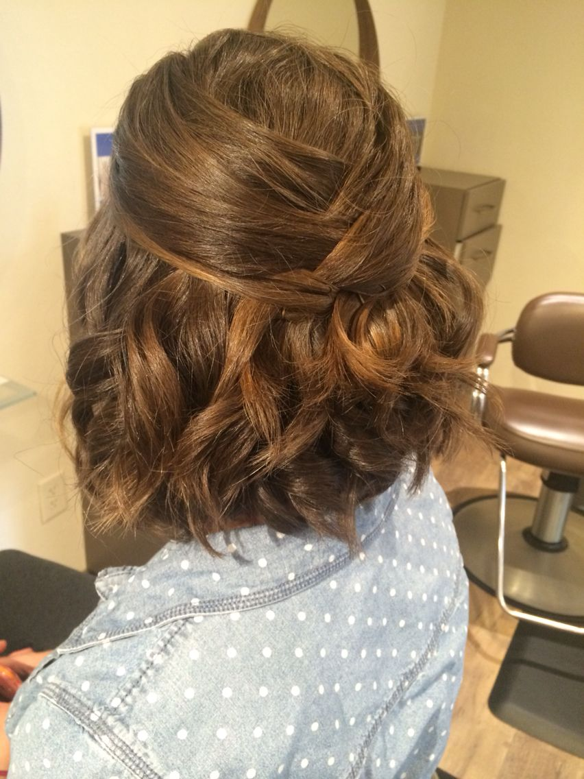 12 Irresistible Women Hairstyles Layers Ideas Short Thick Wavy Hair Short Hair Updo Thick Hair Styles