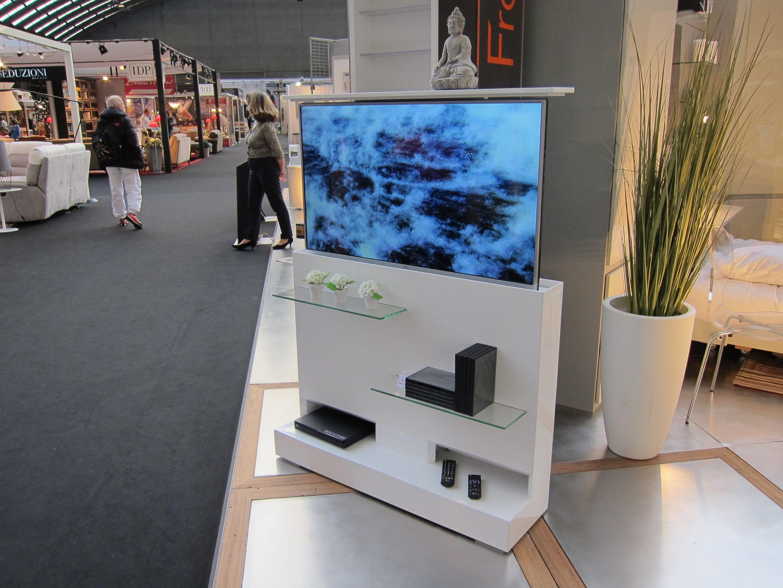 Resultat De Recherche D Images Pour Meuble Tv Motorise Escamotable Meuble Tv Meuble Tele Bureau Escamotable