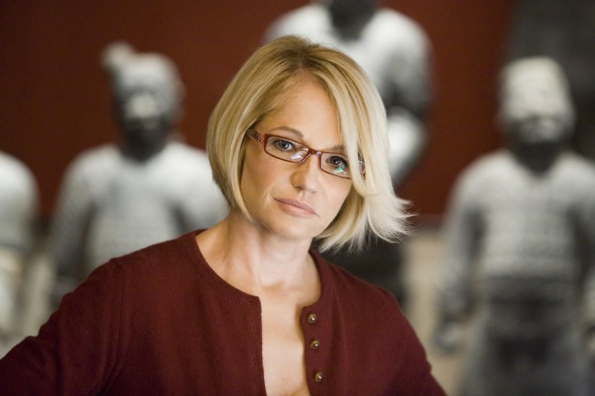 Ellen Barkin The New Normal New Hair I Want To Try Pinterest