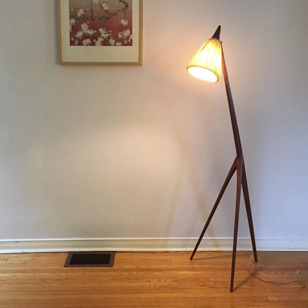 "Need help! Obsessed with this new found. ""Giraffe"" by Uno & östen Kristiansson Luxus 1950. Sweden.  But I found many versions online. The metal vs fabric shade. The integrated vs hanging switch. The two screws vs one screw joint on the three legs. And even some has wire in front instead of back?? Difference variation from difference time? Hope it is not lock off  well. Love it equally. But if you have more info would love to know. #luxusvittsjo #unokristiansson by tungchiang"