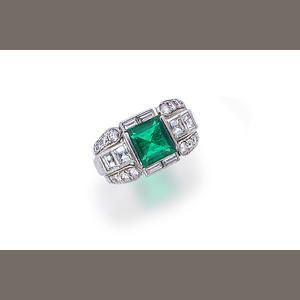 An Emerald And Diamond Ring Estimate Us 5 000 7 Wedding Engagement Rings