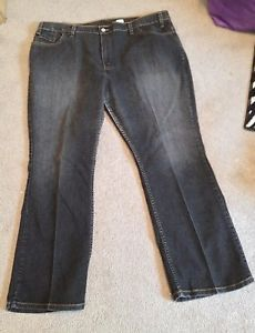 Levis, women plus jeans ,black/size 22, blue/size20