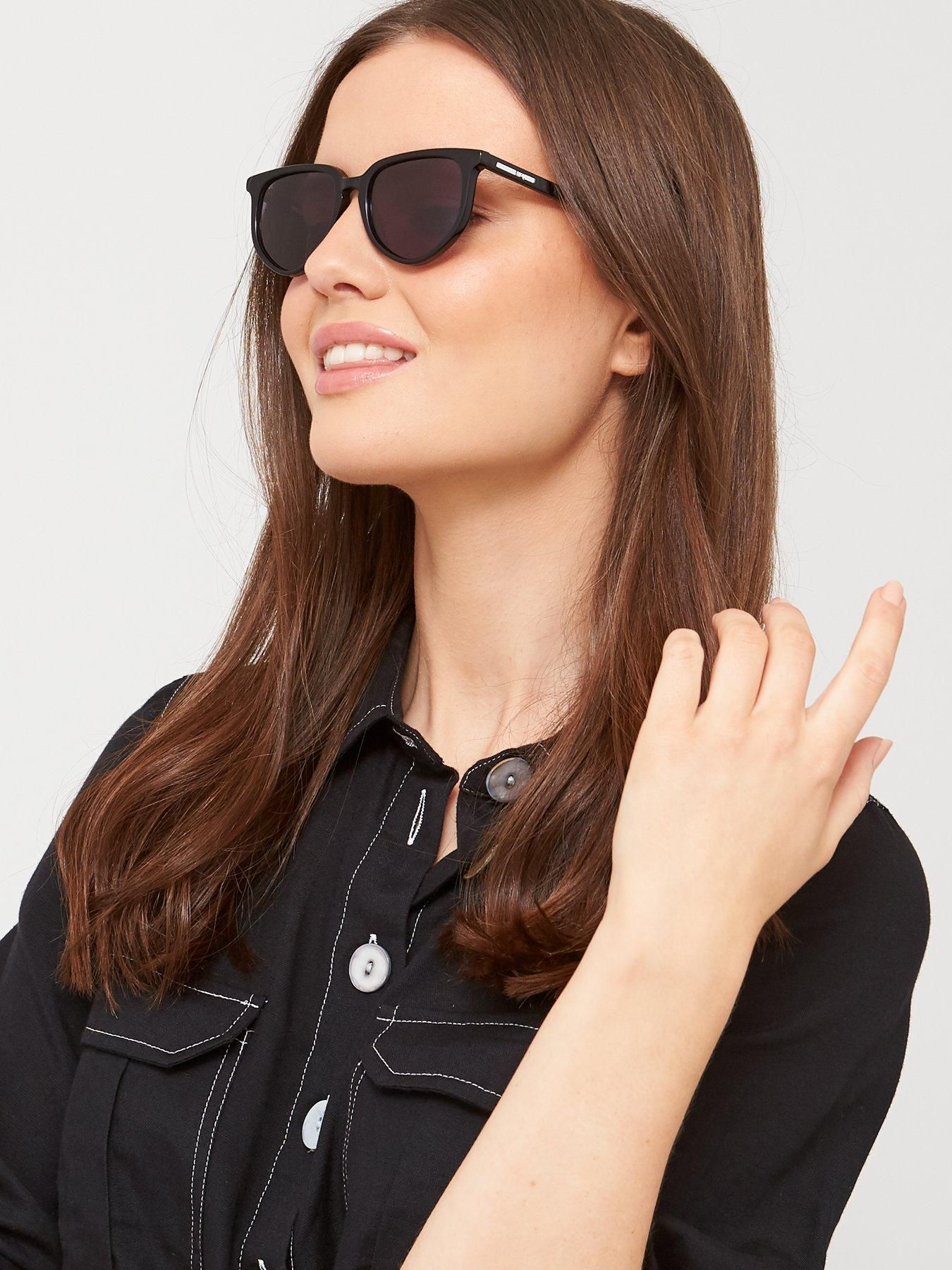 Mcq Alexander Mcqueen Round Sunglasses in Black