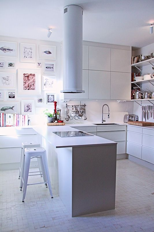 coole Küche mit komischer Dunstabzugshaube Küchen Pinterest - dunstabzugshaube kleine küche