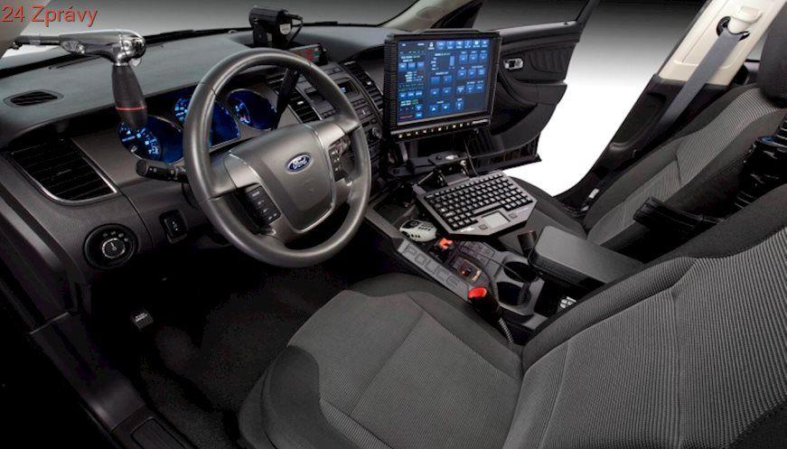 Ford Pozastavi Vyrobu V Peti Americkych Zavodech Ford Police Police Cars Interceptor