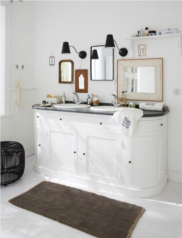 waschtisch 2 becken zum wohlf hlen toller waschtisch mit 4 t ren und jeder menge stauraum. Black Bedroom Furniture Sets. Home Design Ideas