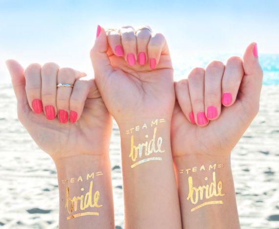 Photo of Bachelorette Party Tattoo, Team Bride Tattoo © 12er-Set, Bachelorette Tattoos, Gold Bachelorette Temporäre Tattoos, Gold Bride Party Favor