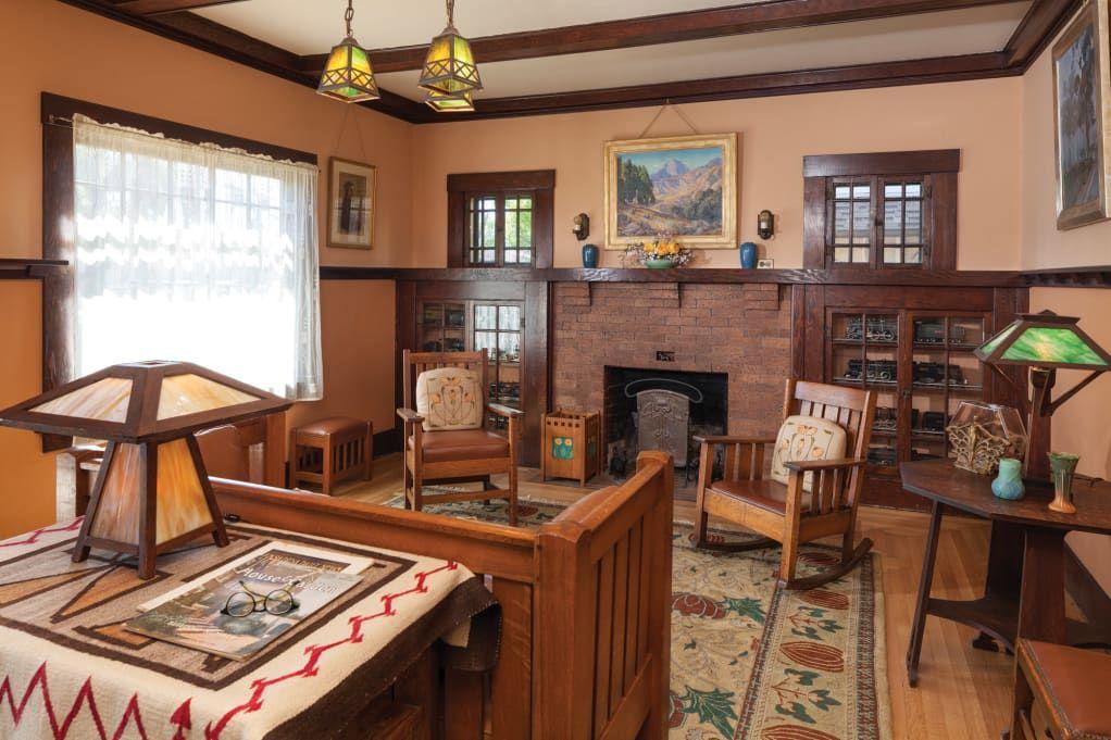 A Beautiful 1912 Bungalow Restoration Old House Journal Magazine Craftsman Bungalow Interior Bungalow Decor Arts And Crafts Interiors