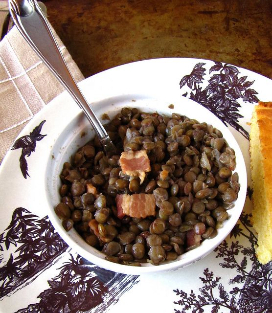 Lentils with Bacon & Onion via @Milisa- Miss in the Kitchen