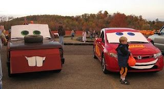 16 Ways to Decorate Your Car For Trunk or Treat #trunkortreatideasforcarsforchurch