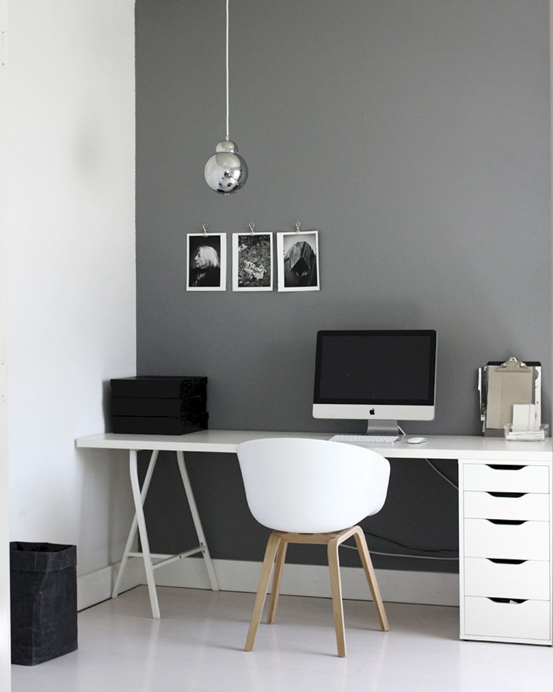 23 Awesome Minimalist Black White Home Office Decorating Ideas Page 13 Of 25 Home Office Design Minimalist Home Minimalist Decor
