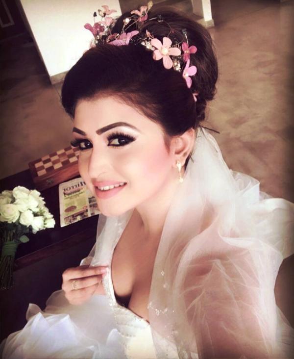 Pin On Sri Lankan Actress And Models