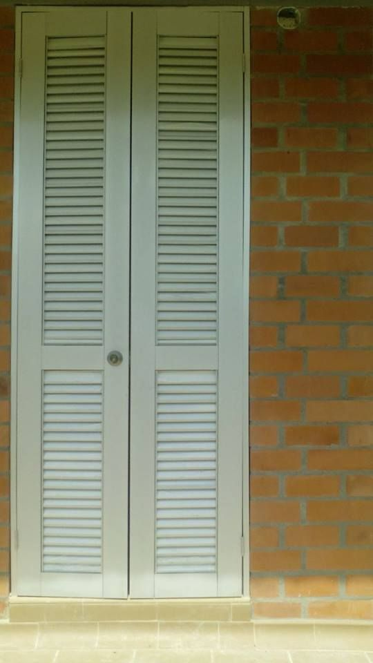 Puerta con persiana para ventilacion ventilaci n - Puertas de persiana ...