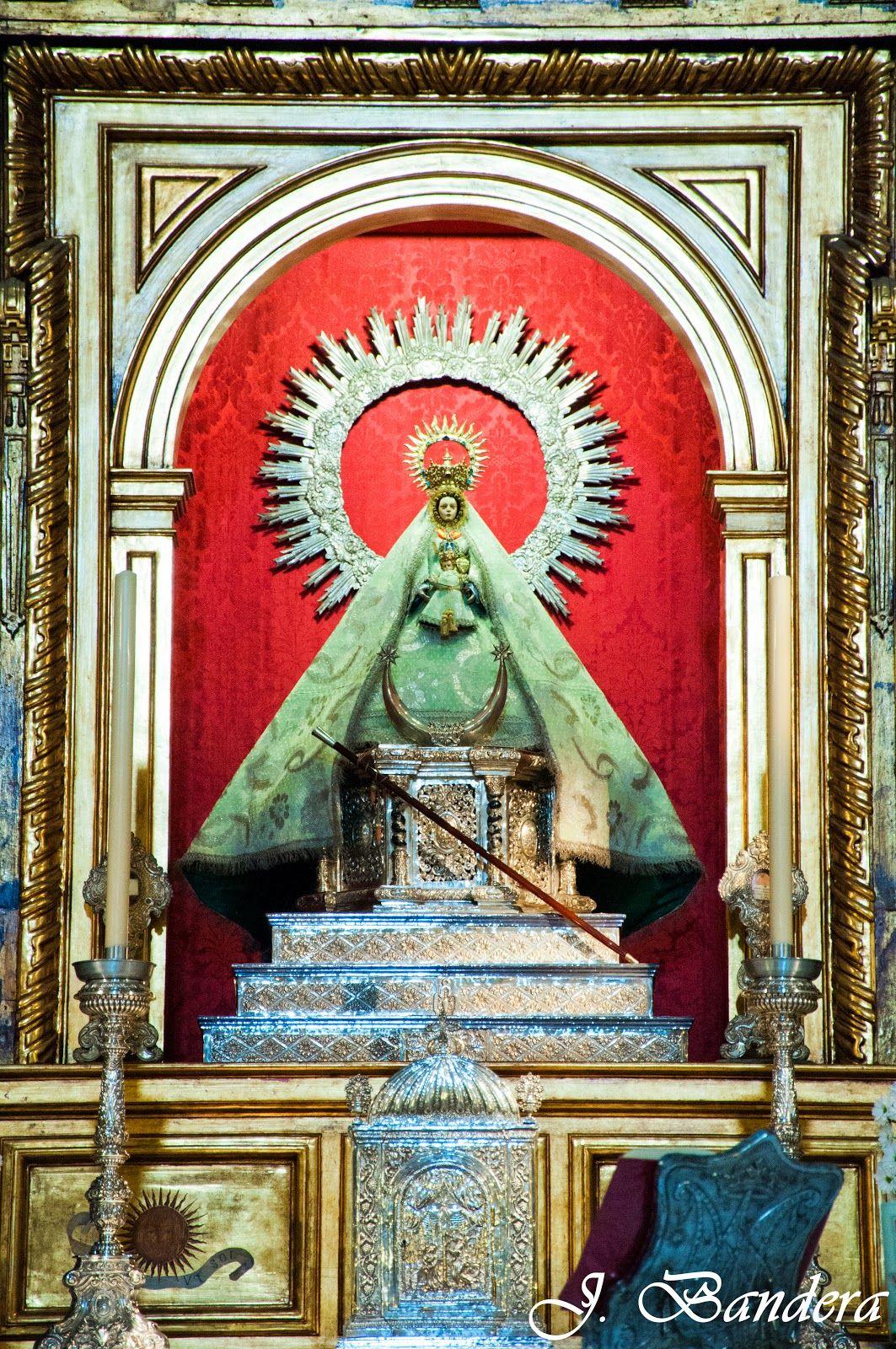 Las Fotografías De Bandera La Virgen De La Caridad De Sanlúcar De Barrameda Virgen De La Caridad Caridad Hermandades De Sevilla