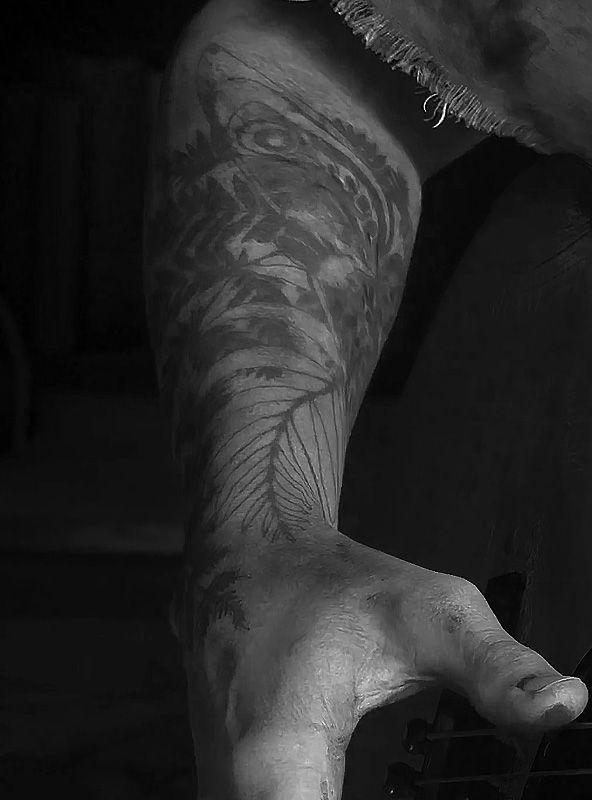 Ellie S Tattoo The Last Of Us Part Ii Tatoo E Tattoo Jogo