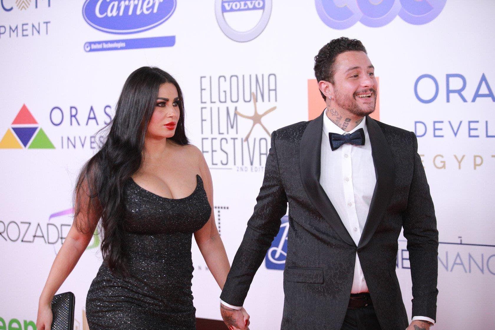 انتقادات لاذعة لأحمد الفيشاوي بعد ظهوره برفقة زوجته وهي بالبكيني في حمام السباحة فيديو Film Volvo Festival