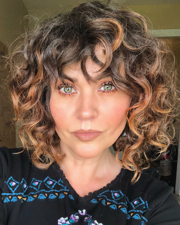 Curls Curly Hair Devacurl Curly Bob Short Curly Hair Curly Highlights Breckhouse Short Curly Hair Curly Hair Styles Naturally Curly Highlights