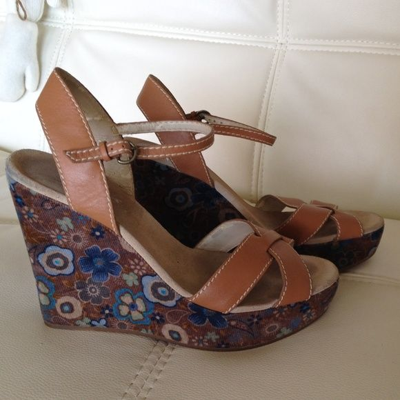 Guess Shoes | Guess Wedges | Color: Tan | Size: 7