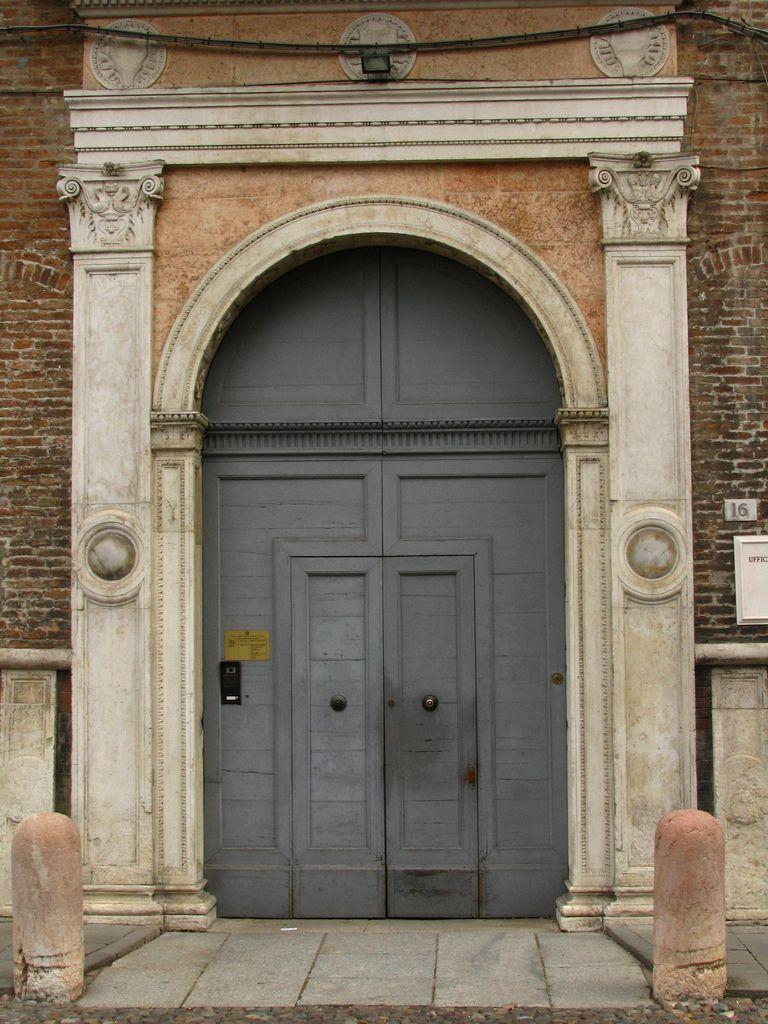 Renaissance Door Ferrara Italy Doors Doors Arched