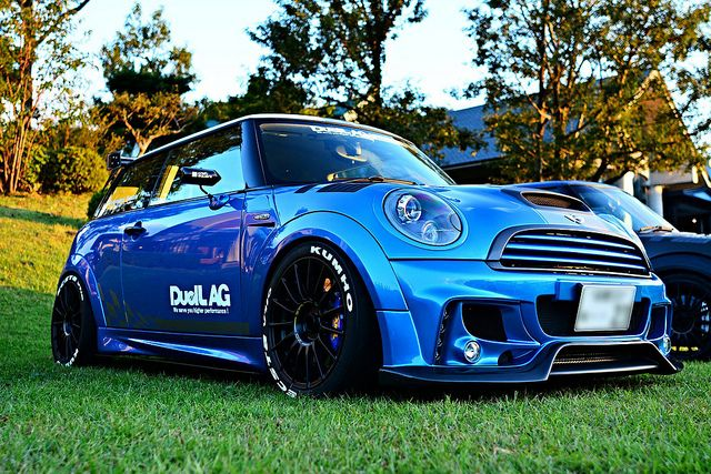 Pin By Bill Dunn On Driving Driven And Dreaming Mini Cooper Mini Cooper Custom Mini Cars