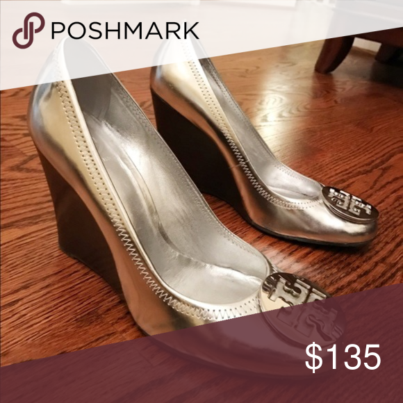 afaf4ba410c4 Tory Burch Sophie Wedge Silver Metallic sz 9.5 Sophie Wedge Silver Metallic  Patent Leather Size 9.5