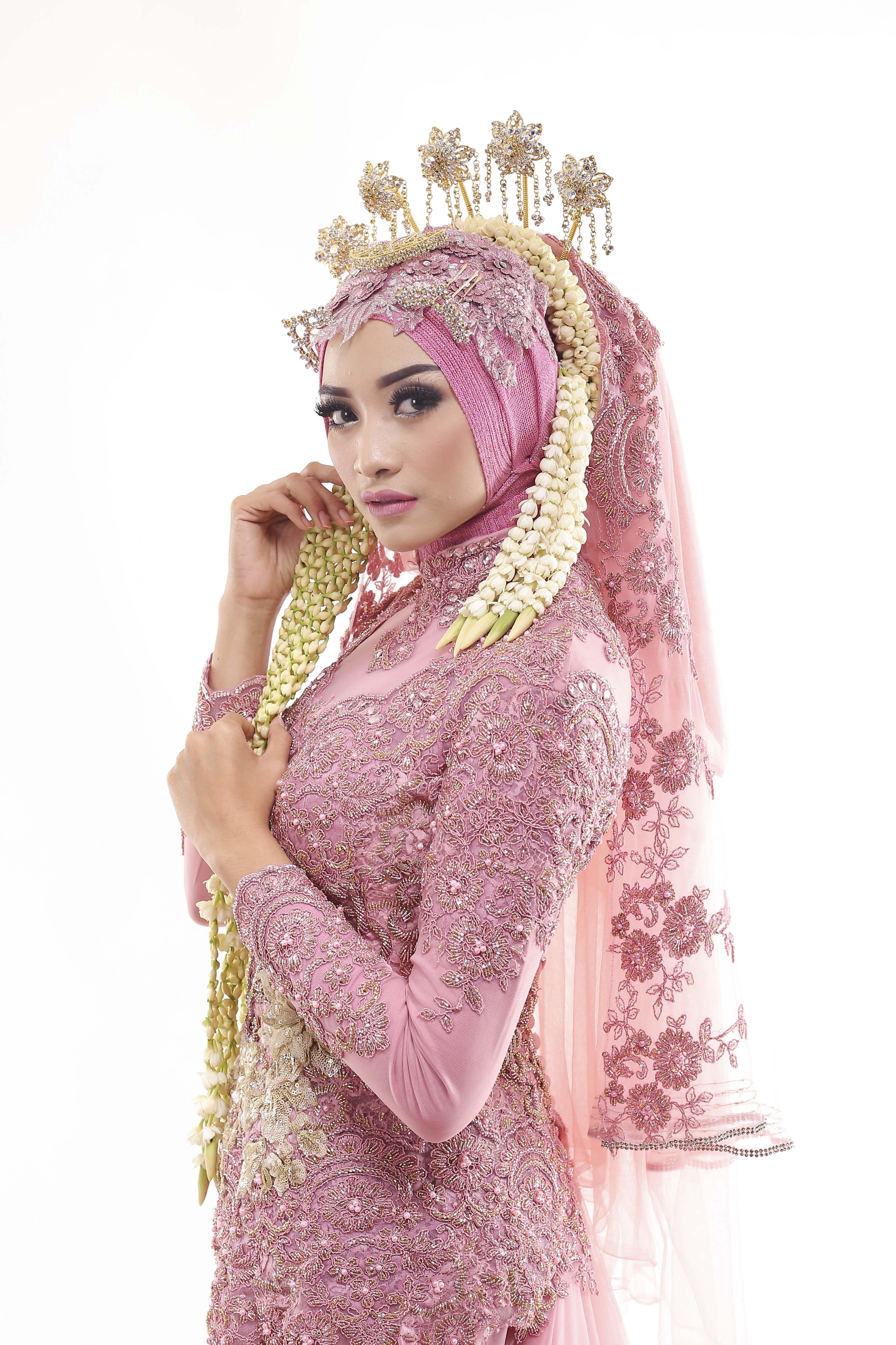 Ini luar biasa! Karya hebat dari LAKSMI - Kebaya Muslimah | costume ...