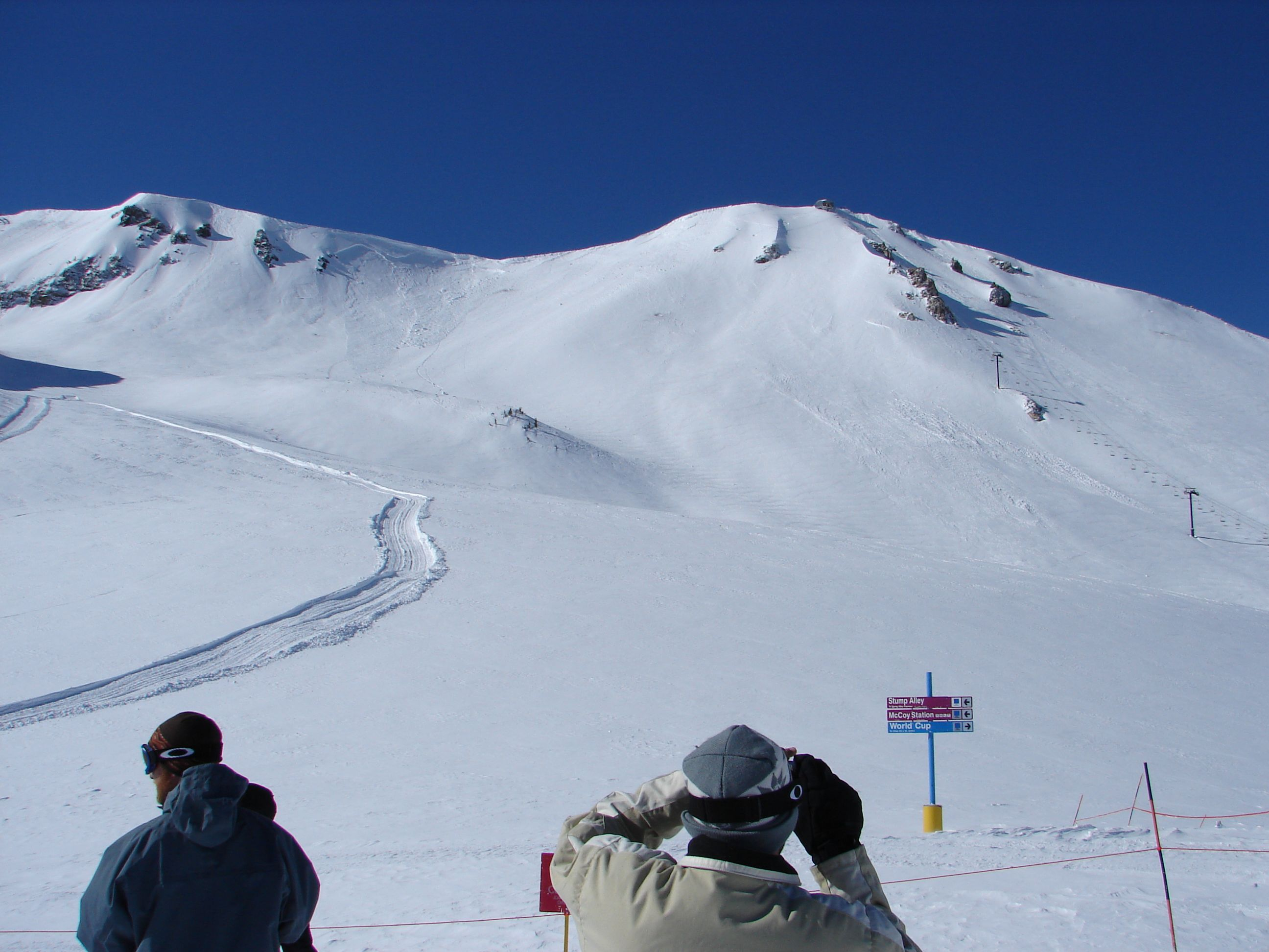 Waiting for chair 23 and the top to open cornice and for Chair 23 mammoth