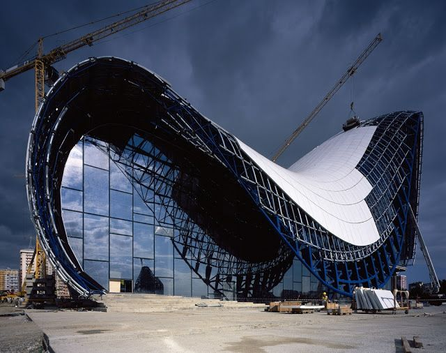 Humorous Structural Glass : Architect structure design of heydar aliyev center zaha